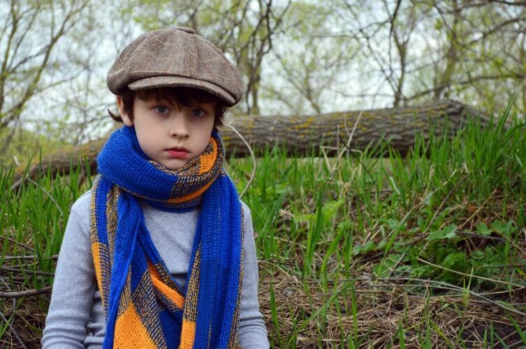 Одевайтесь многослойно, чтобы всегда можно было, к примеру, снять куртку, но оставить шарф, если вдруг потеплеет