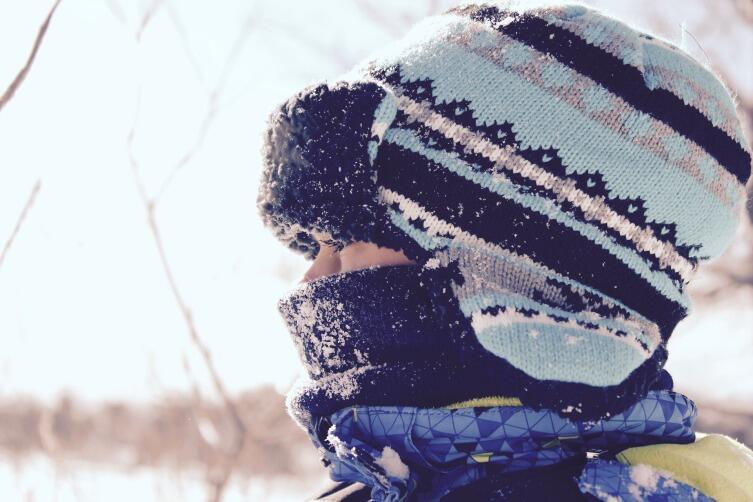 Шарф - не просто аксессуар, он хорошо согревает и защищает на морозе