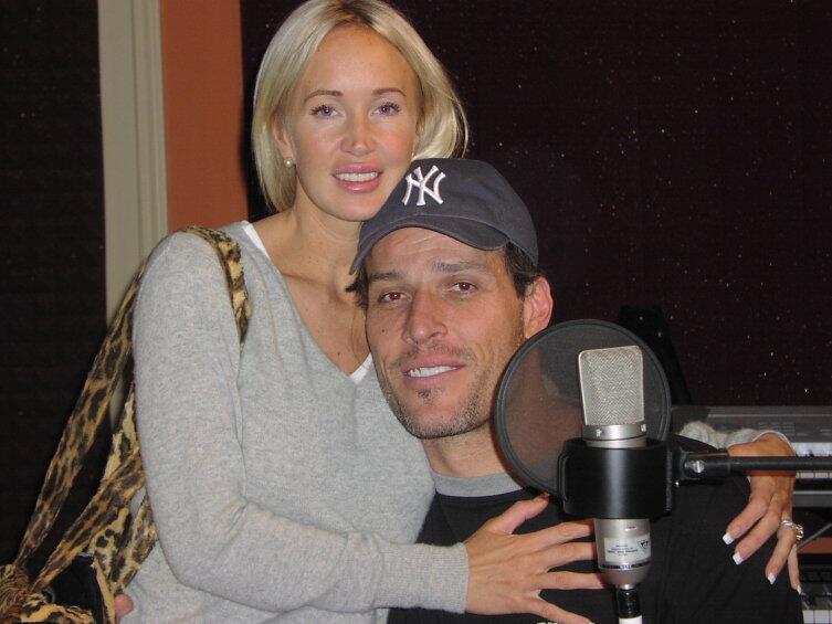 Тони с женой