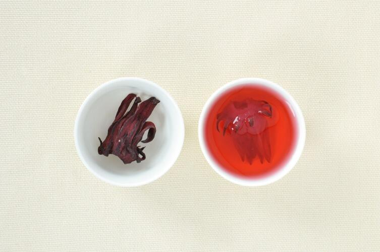 Каркадэ — напиток из лепестков гибискуса — «суданской розы»
