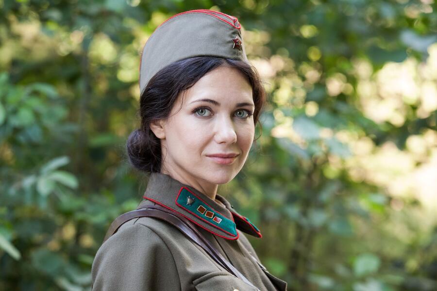 Женщина в армии: как себя вести с командиром части?