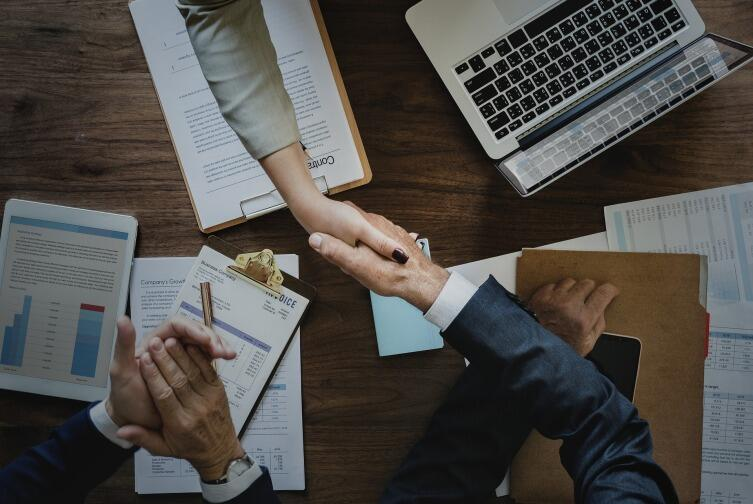 Одним из вариантов нахождения элементов четкого взаимодействия является предъявление обоим сотрудникам неприемлемой альтернативы. Это заставит их договариваться