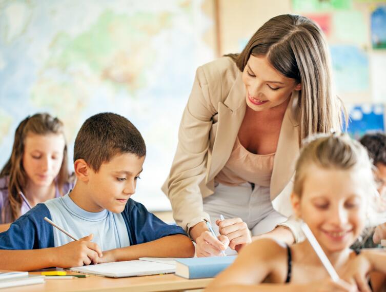 Некоторые дети ходят в школу не учиться, а общаться и самоутверждаться