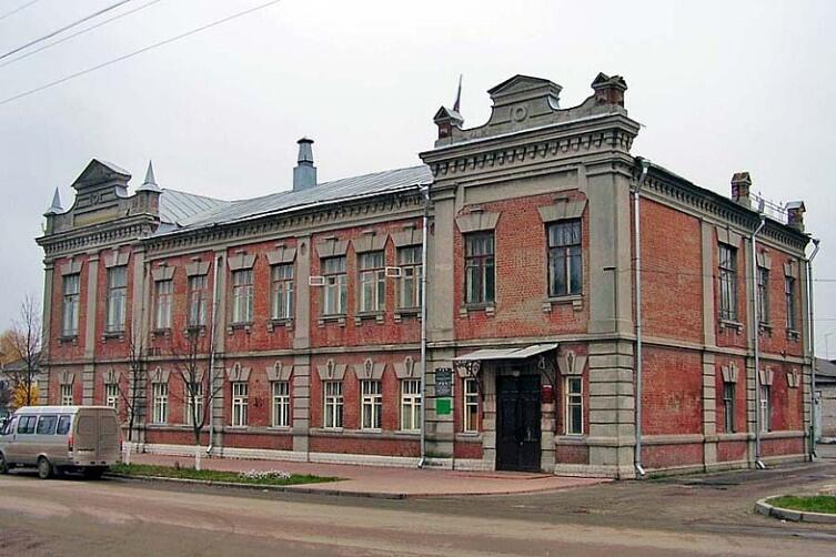 Здание администрации города Судогда и краеведческого музея