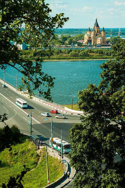 Вид на собор и Канавинский мост