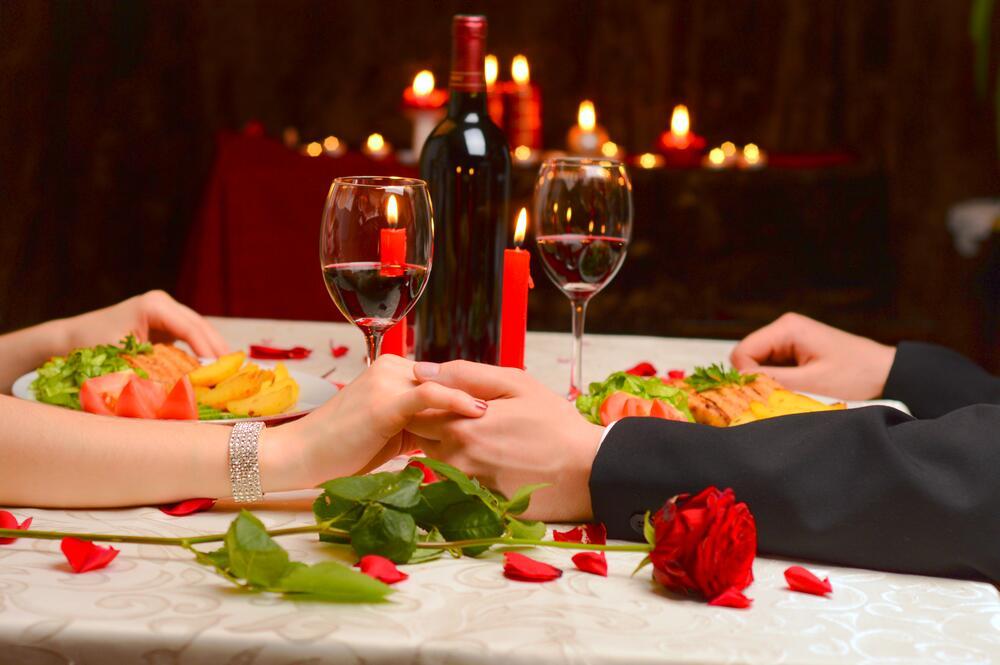 Картинки ужин при свечах на двоих романтика, сестру днем рождения