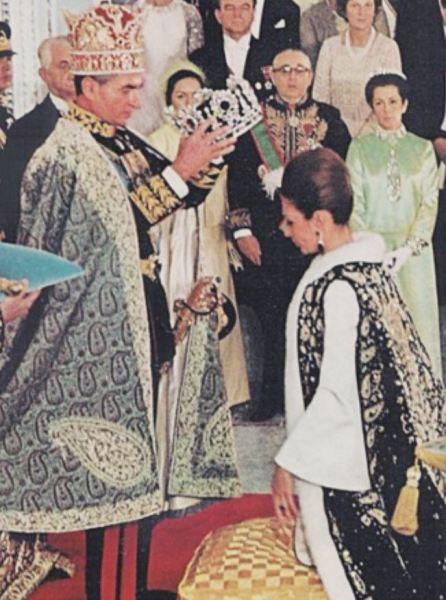 Первая коронованная императрица Ирана