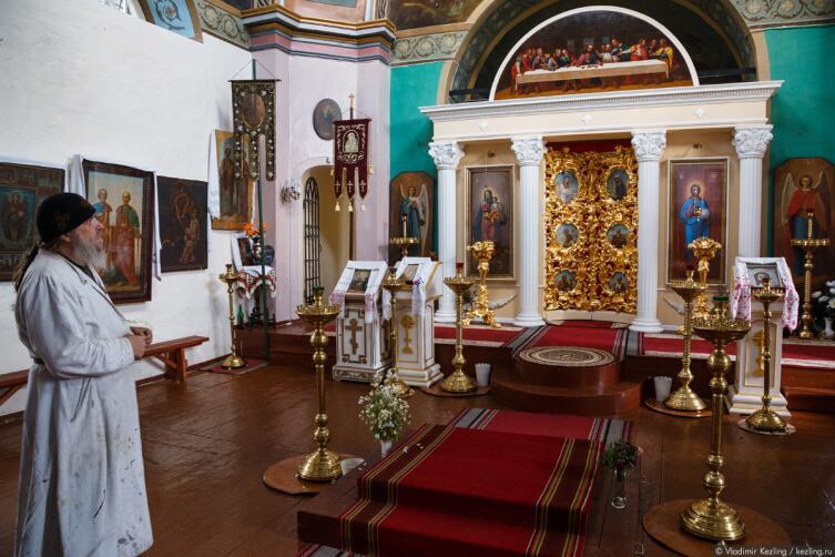 Отец Геннадий в Петропавловском храме