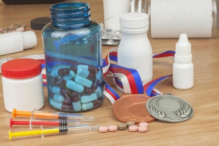 При использовании допинга растет риск тромбоза, инсульта, возможно развитие диабета и серьезные проблемы с сердцем