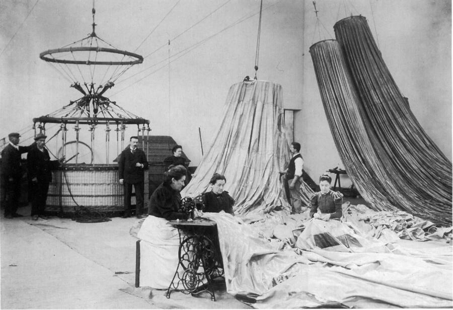 Парижская фабрика шаров Анри Лашамбра, 1890 г.