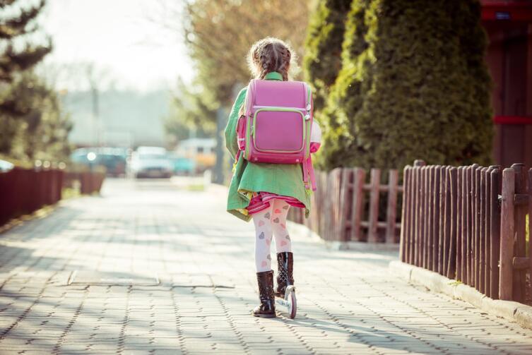 Если школа рядом с домом, это значительно упрощает жизнь ребенку