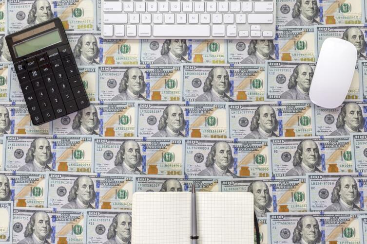 Сколько нужно денег и как раздать их незаметно?