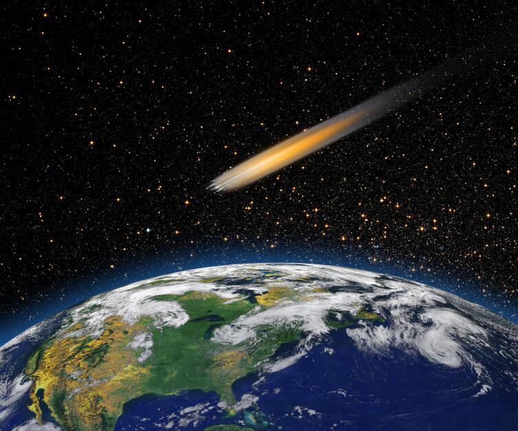 Метеорит, размером с бисерный шарик, пробивает обшивку корабля насквозь