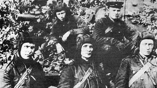 Экипаж КВ-1 З. Г. Колобанова, август 1941 г.