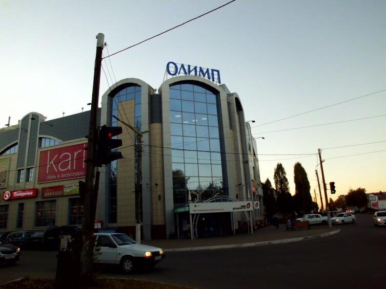 Новый торговый центр в Семилуках