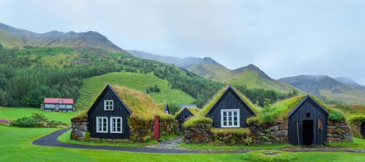 Крупных городов в Исландии нет