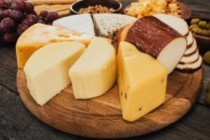 Что приготовить из сыра? Пальчики и шарики