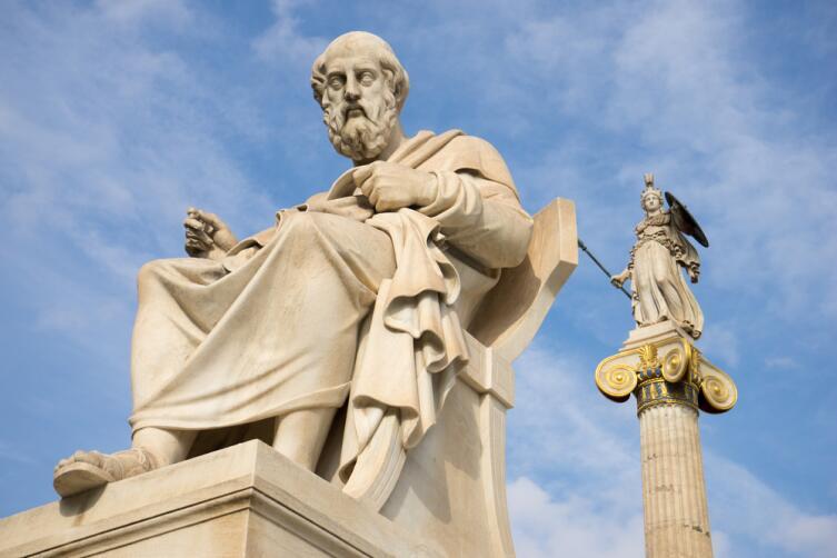 Греки были древние, а вот беседы вполне современные