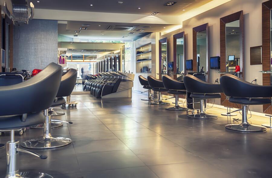 Так ли безопасно в салонах красоты?