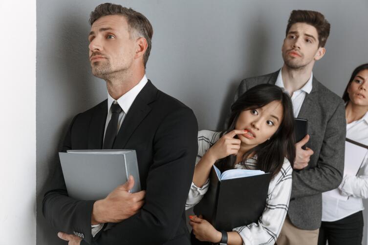 Работодатель может сэкономить, приняв на работу сотрудника низкой квалификации