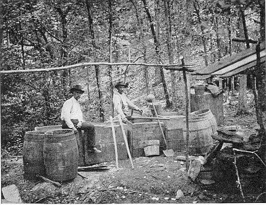 Самогонщики в штате Кентукки, 1911 г.