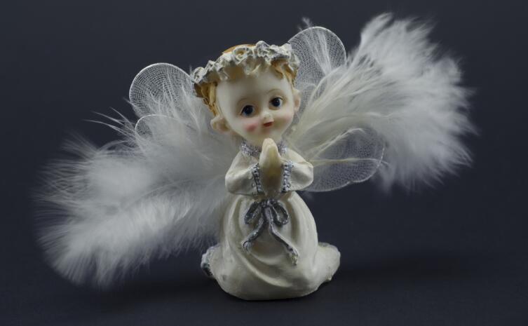 Ангел обостряет интуицию и позволяет легко разобраться в запутанных взаимоотношениях