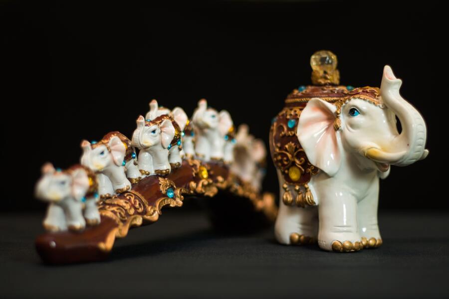 Слоник защищает от козней недоброжелателей, дарует мудрость и рассудительность