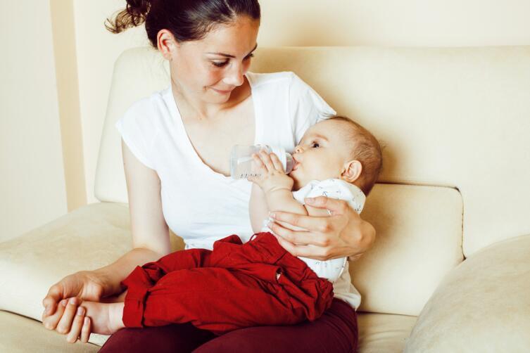 Какие психологические проблемы несет слишком продолжительное грудное вскармливание ребенка?