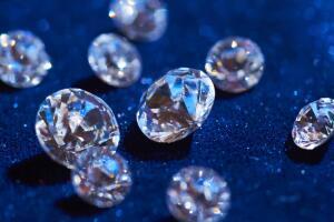 Когда на Земле появились алмазы?