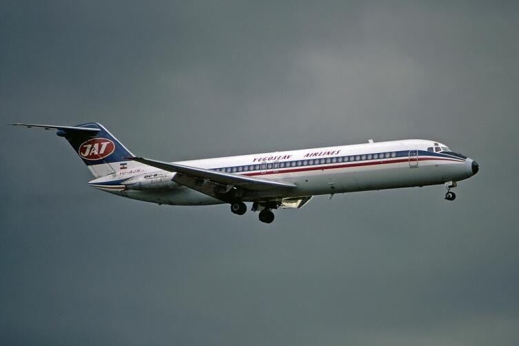 McDonnell Douglas DC-9−32
