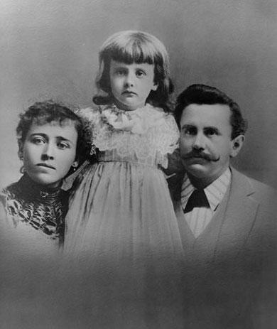 Уильям Портер с семьёй (дочь Маргарет и супруга Атоль) в начале 1890-х гг.