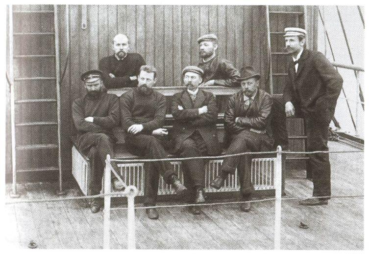 Участники северной экспедиции на «Заре». Крайний слева — А. В. Колчак