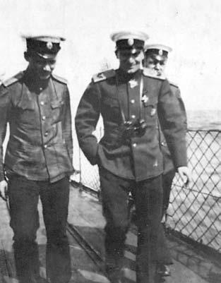 Контр-адмирал Колчак на Балтике в 1916 году. Снимок сделан английским офицером