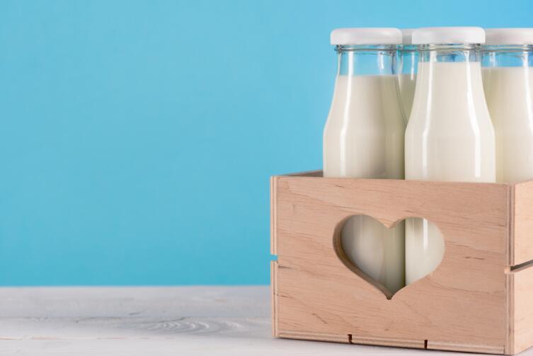 Почему не киснет магазинное молоко?