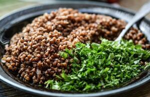 Разные крупы имеют разные полезные свойства, это нужно учитывать, составляя свой рацион питания.