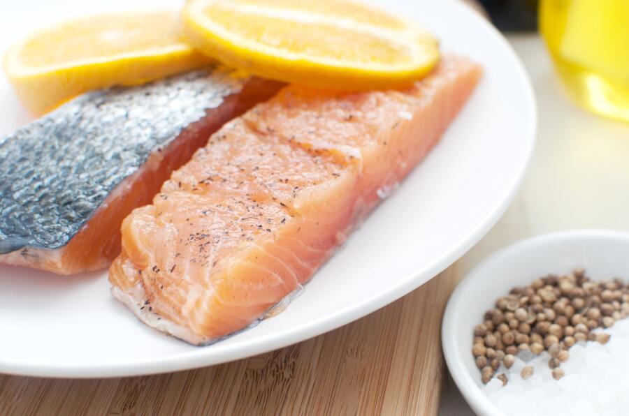 Как вкусно засолить красную рыбу в домашних условиях?