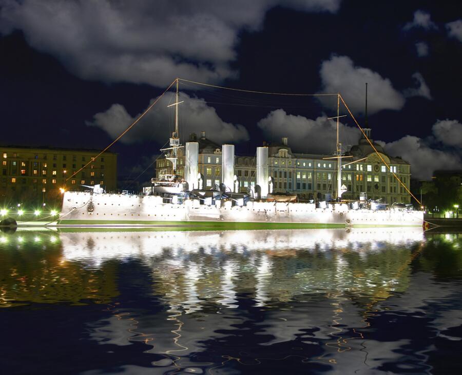 Что снилось крейсеру «Аврора» тогда и сейчас?