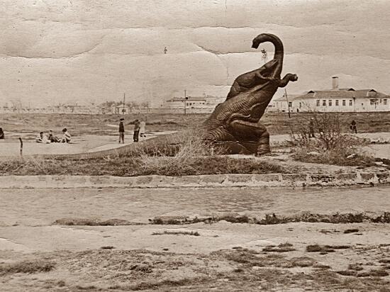 Удивительно, что памятник поставили еще в 1932 г.