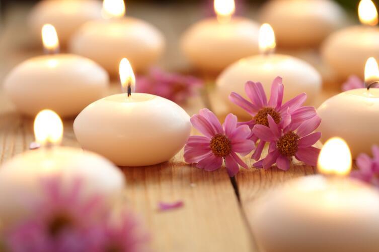 Свечи, музыка, ароматы помогут настроиться на нужную волну