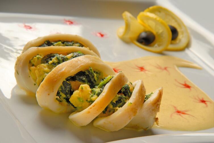 В фаршированных кальмарах вкус зависит от начинки