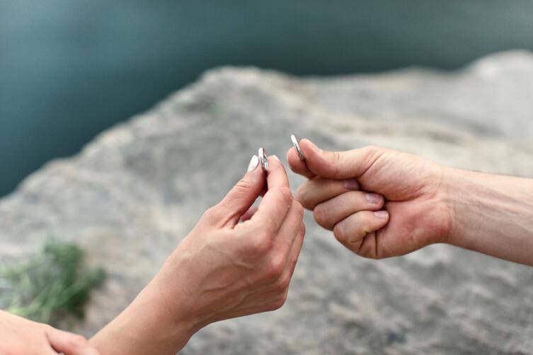Что собой представляют электронные кольца для влюбленных?