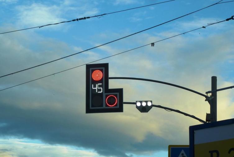 Захочешь ошибиться, светофор не даст