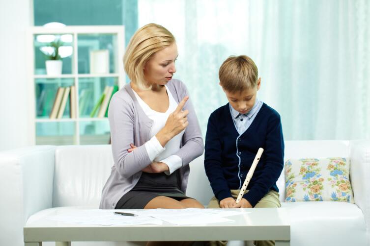 Ребенок должен приобрести навыки общения в социуме, помогите ему