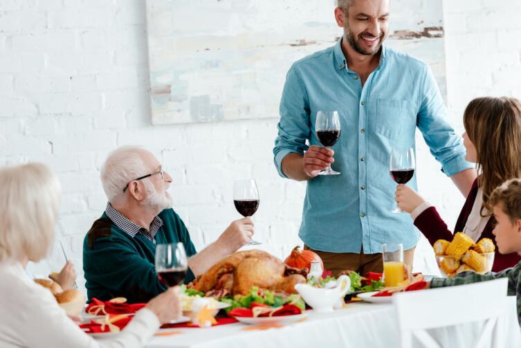 Разбавляйте вино водой - снижайте количество выпитого