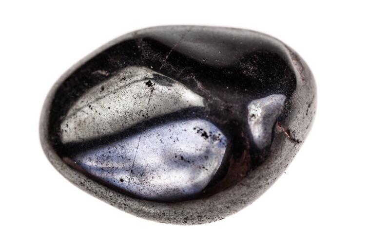 Камень козерогов - гагат или черный янтарь