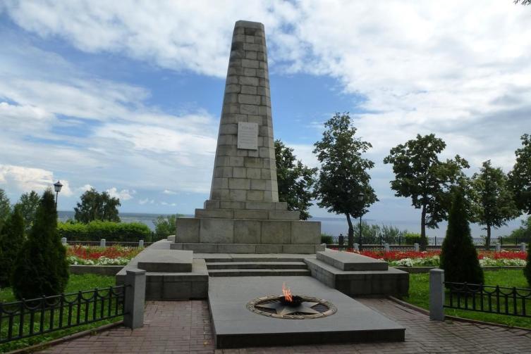 Обелиск в память погибшим при освобождении Симбирска в 1918 г.