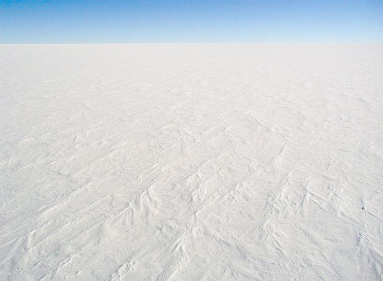 Типичный пейзаж Антарктиды. Сложно представить, что на материке есть жизнь