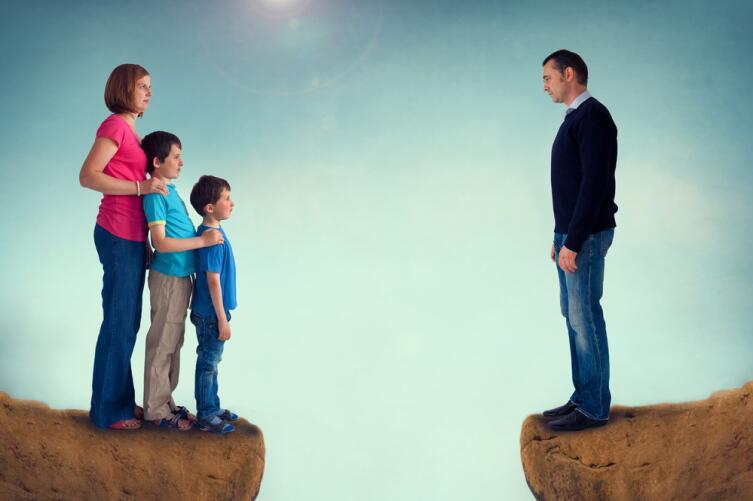 Одинокая мама желает познакомиться. Как найти спутника жизни после развода?