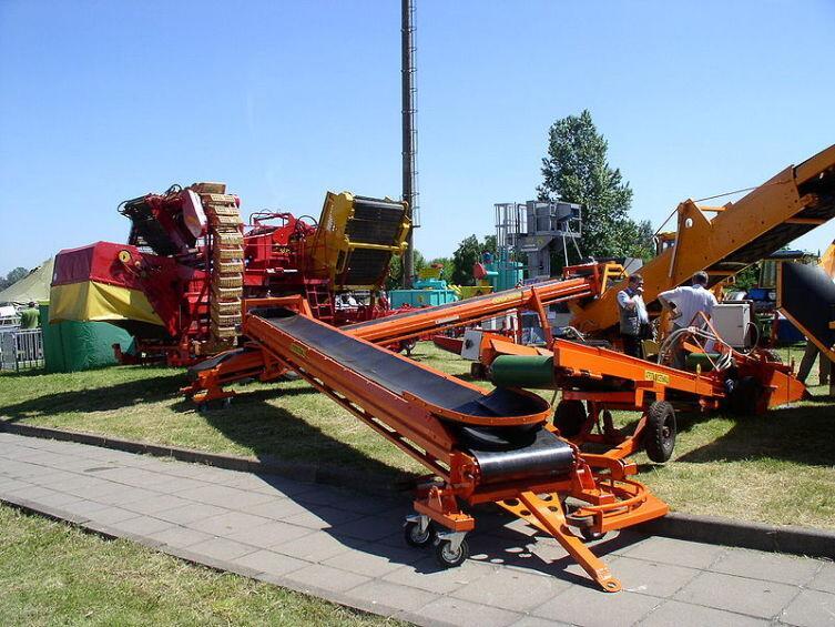 Конвейерная техника на сельскохозяйственной выставке в Минске