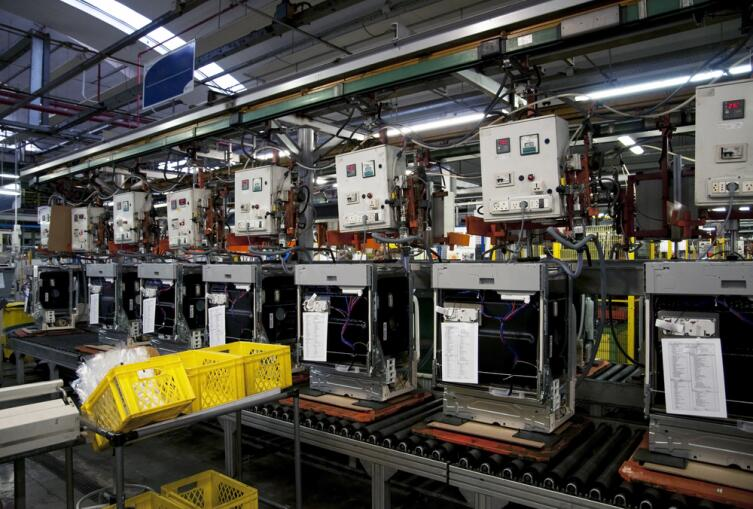 Роботизированное производство посудомоечных машин